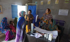 Midwives attend to clients in Sindh Province. Midwifery training programmes are empowering women and saving lives. © UNFPA Pakistan